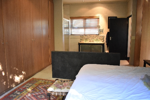 Cape Town,    409600 €